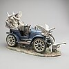 Lladro, figurgrupp, no 821, bil och fåglar, spanien, dekor av ruiz, 1900-talets slut.