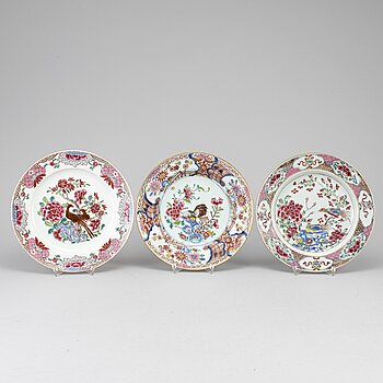 Three famille rose export porcelain plates, Qing dynasty, Qianlong (1736-95).
