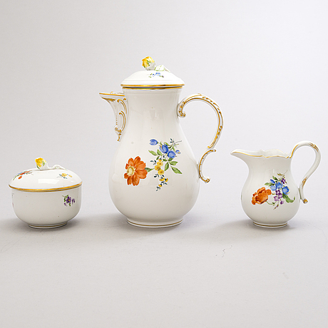 A 13-piece meissen porcelain coffee set, first half of the 20th century.