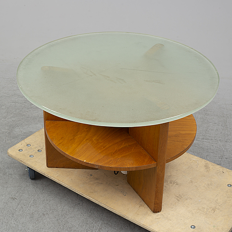 A 1940's coffee table.