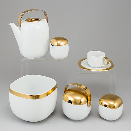 Timo sarpaneve, a part 'suomi' porcelain coffee service, rosenthal studio-linie, designed 1976 (17 pieces).