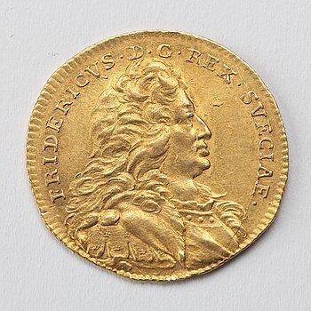 GULDMYNT, dukat, Fredrik I av Sverige, 1745, vikt ca 3,5 gram.