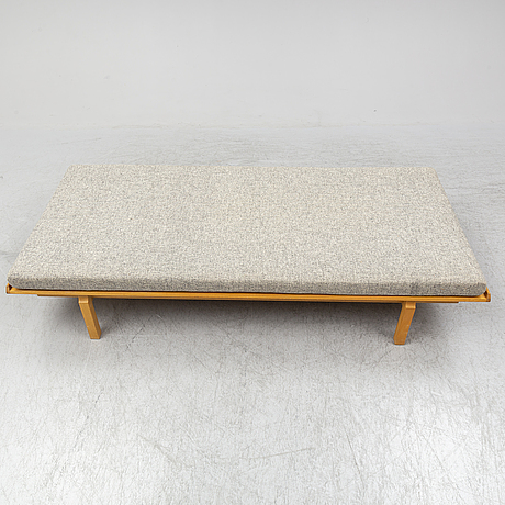 An oak day bed, 1960's.