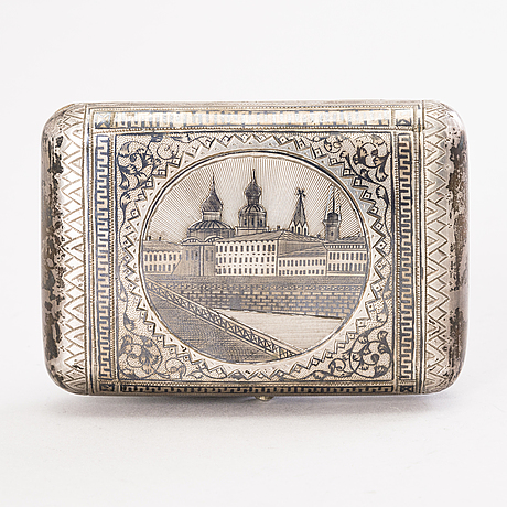 A russian silver and niello cigarette case, assay master  lev fridrikhovitch oleks, moscow 1889.
