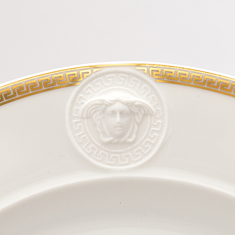 Versace ikarus, médaillon méandre d'or 2 + 2 porcelain plates with a coffee cup by rosenthal.