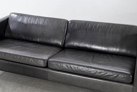A 21st century leather sofa by kenneth bergenblad for dux.