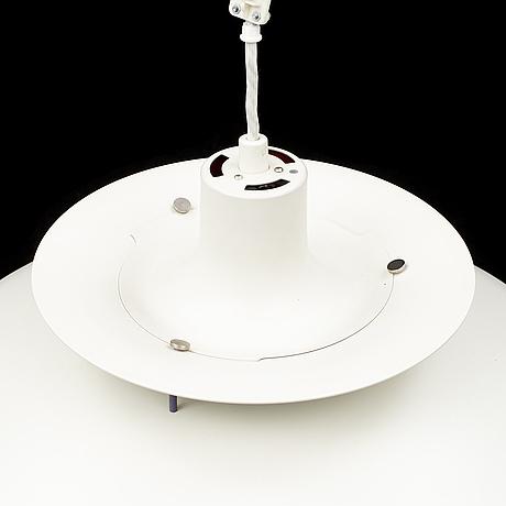 A poul henningsen ph5 lamp.