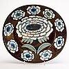 """Birger kaipiainen, fat, """"fiori"""", keramik, """"birger kaipiainen, arabia art made in finland 1983"""", numrerad 1495/2000."""