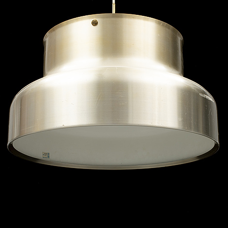 A 'bumling' large ceiling lamp.