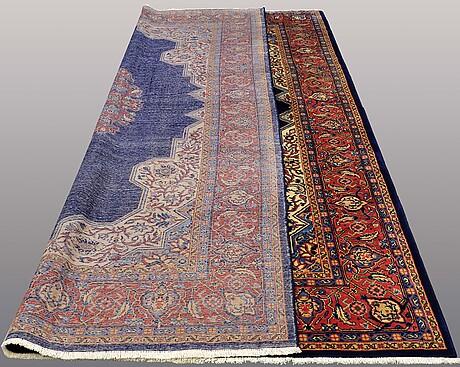 A carpet, mahal, ca 358 x 250 cm.