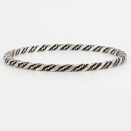 Georg jensen sterlingsilver bangle.