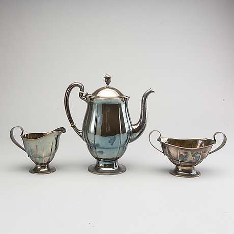 A swedish 20th century silver 3 pcs coffee set mark of gab stockholm 1927-33, total weight ca 1000 gr.