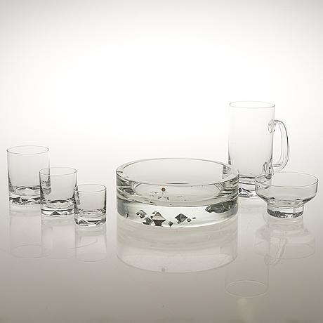 """Tapio wirkkala, a 32-piece glassware set, """"jäänsärkijä"""" (icebreaker), iittala 1968-1974."""