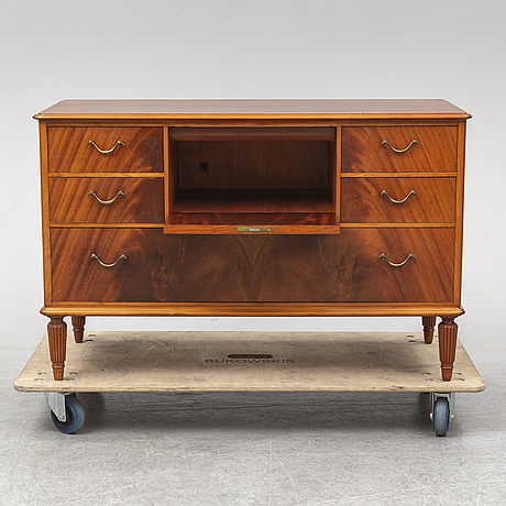 A swedish modern chest of drawers, 1940s.