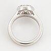 Ring, med rund briljantslipad diamant, med certifikat hrd.