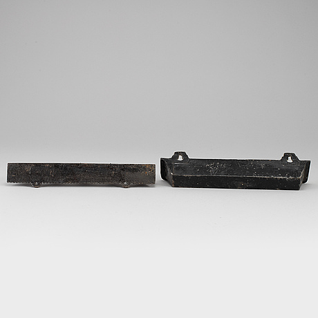A two part cast iron umbrella stand, first half of the 19th century.
