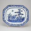 A chinese porcelain serving dish, qianlong (1736-95).