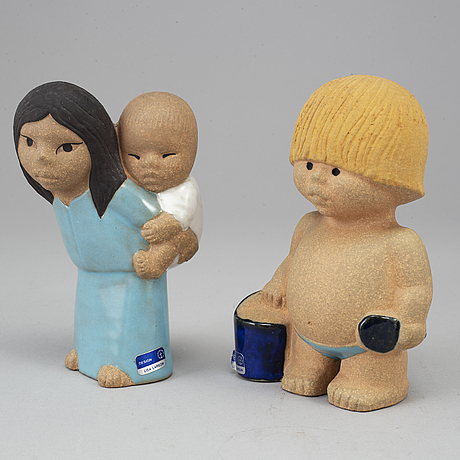 "Lisa larson, 8 stoneware figurines from the series ""all världens barn"" for gustavsberg."