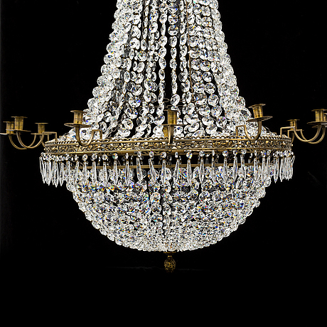 A 20th century gustavian style chandelier.
