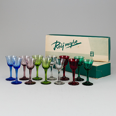 Lennart rosÉn, 12 glasses from reijmyre, 1950's.