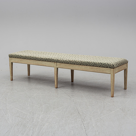 A first half of the 20th century gustavian style bench.