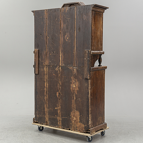 An early 19th century cupboard.