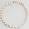 Cultured pearl necklace, 18k gold clasp.