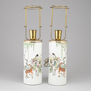 A pair of Chinese famille rose hat stands turned into table lamps, 20th century.
