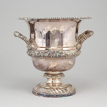 An English 20th century plated EP champagne cooler.