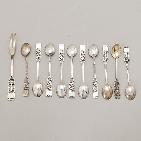 Pentti sarpaneva, a set of 6+4 silver spoons with a fork, marks of turun hopea, turku 1977.