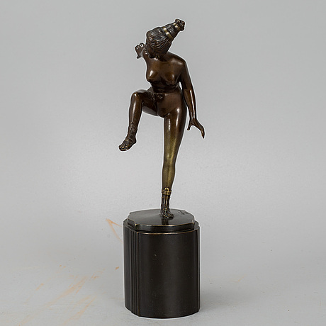 Wilhelm warmuth, sculpture, bronze, signed w. warmuth and dated 1919.