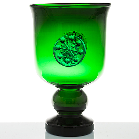 Nanny still, a 1970's 'flower power' goblet for riihimäen lasi.