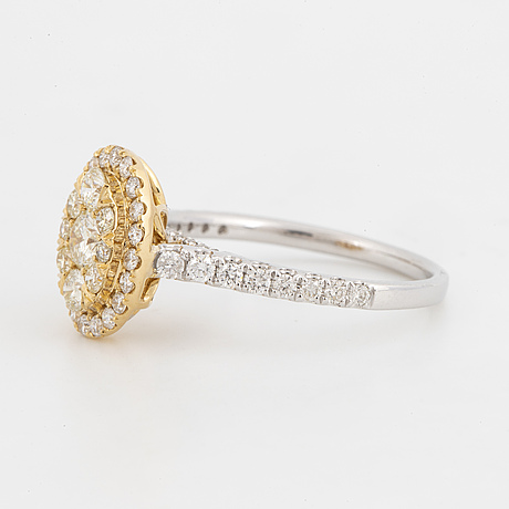 Oval shaped brilliant-cut diamond ring.