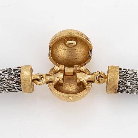 Ole lynggaard, collier i silver med kullås i 18k guld.