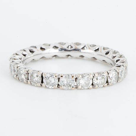 Ring, 18k vitguld och diamanter tot ca 2.02 ct.