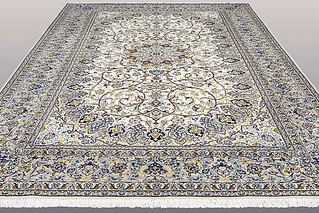 A carpet, kashan, ca 406 x 294 cm.
