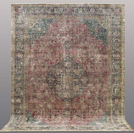 A carpet, oriental, ca 377 x 288 cm.