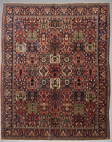 A semi-antique chahar mahal / bakhtiari carpet, ca  345 x 270 cm.