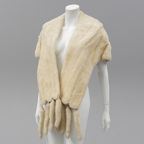 A mink fur stole, first half of the 20th century.