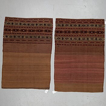 A pair of Turkmen chuvals, circa 154 x 103,5 and 150 x 102,5 cm.