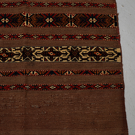 A pair of turkmen chuvals, circa 154 x 103,5 and 150 x 102,5 cm.