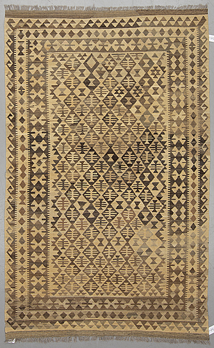 A rug, kilim 246 x 154 cm.