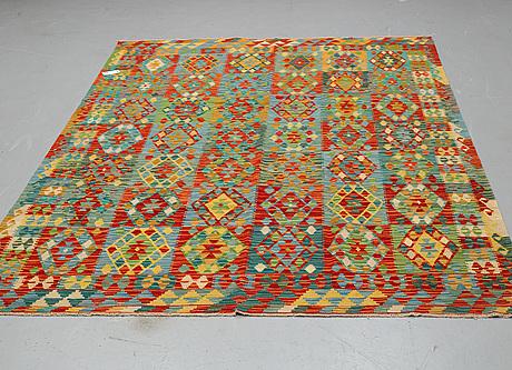 A carpet, kilim 295 x 205 cm.