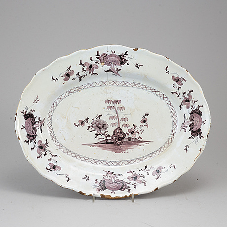 An 18th century fayence dish.