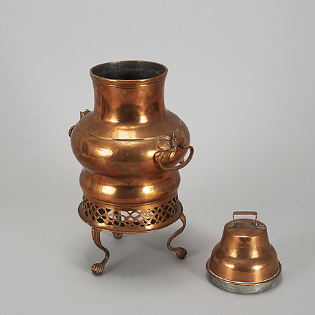 A early 19th century copper samovar.