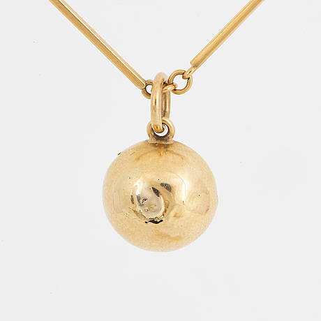 Chain engelbert, with pendant with mabe pearl.