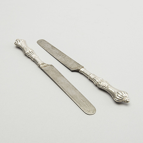 Eleven 19th century silver knifes. total weight incl steel, app 300 grams.