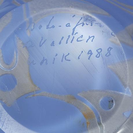Bertil vallien, a glass bowl from boda Åfors, 1988.