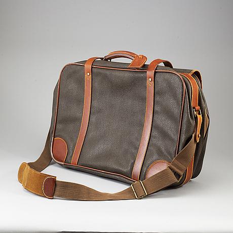 Mulberry, a scotchgrain messenger bag.