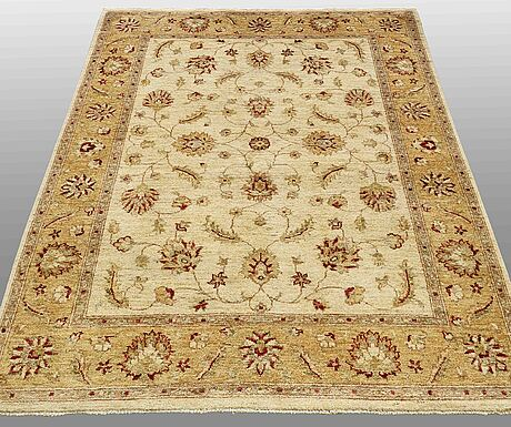 A carpet, ziegler design, ca 177 x 134 cm.